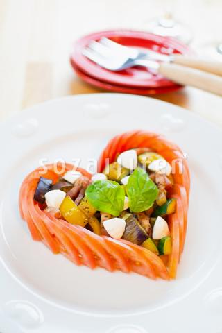 焼き野菜のハートカプレーゼ