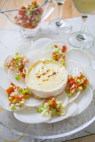 蕪とカマンベールチーズのサラダ フレッシュ野菜ドレッシング