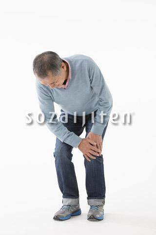 膝が痛むシニアの男性