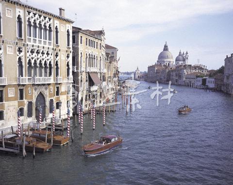 ベネチアの運河