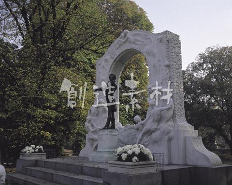 ウィーン市立公園のヨハンシュトラウス像