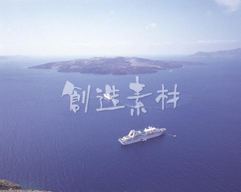 客船とエーゲ海