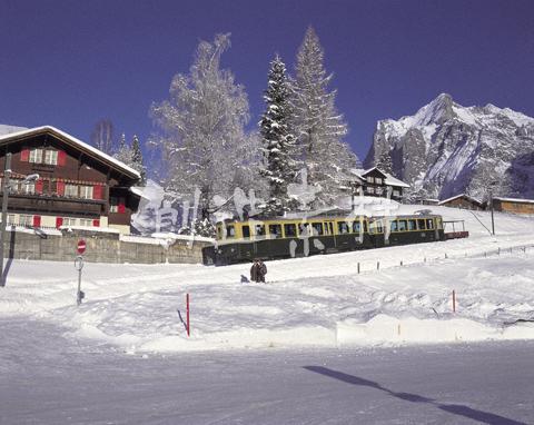 登山電車とヴェッターホルン