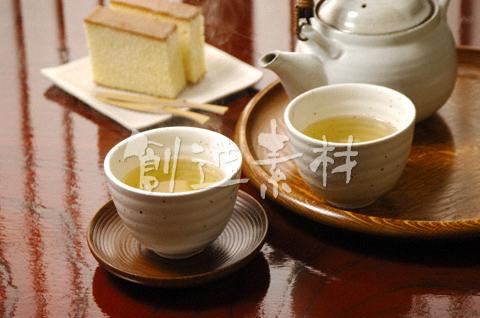 緑茶とカステラ