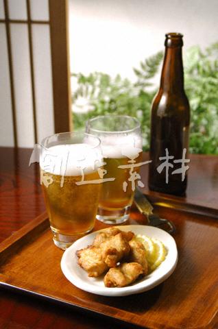 生ビールと唐揚げ