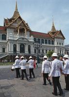 王宮と近衛兵