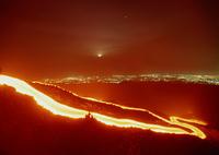 溶岩と夜景
