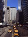 ビル街の道