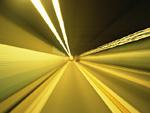 トンネル内部の光跡
