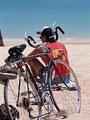 自転車と男性