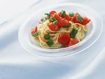 生トマトとバジルのスパゲティ