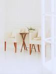 パーソナルソファーとサイドテーブル