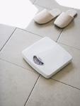 体重計とスリッパ