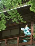 日本家屋と浴衣の女性