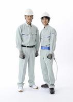 2人の建設作業員