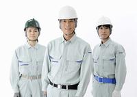 3人の建設作業員