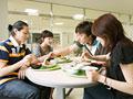 タイトル:学生食堂