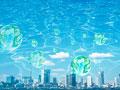 水面と市街地