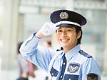 笑顔の警備員