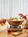 水炊き鍋を食べる親子の手元