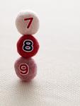 数字のフェルトボール