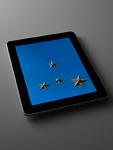 タブレットPCと星飾り