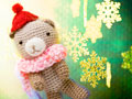 編みぐるみのクマと雪の結晶