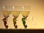 タツノオトシゴのグラスマーカーとワイングラス