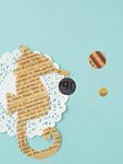 紙で作ったタツノオトシゴ