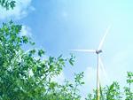 風力発電機と青空