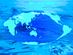 世界地図と水のイメージ