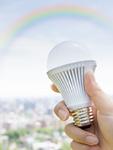 LED電球と虹