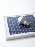 ソーラーパネルとLED電球