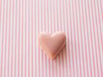 ハート形のピンクのチョコレート