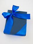 青いギフトボックス