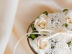 白いバラのフラワーアレンジメント