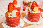 苺で美白パワー!丸ごと苺のカップケーキ