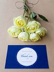 黄色いバラとメッセージカード