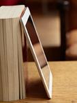 本とタブレットPC