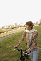 自転車と女性