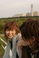 笑顔の若者