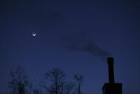 夜空と煙突