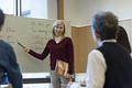 タイトル:シニアの英会話スクール
