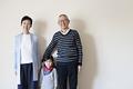 タイトル:おじいちゃんとおばあちゃんと孫
