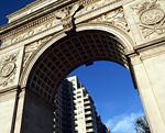 ワシントンスクエアパークの門