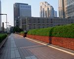 ビル街の歩道