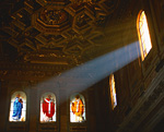 教会のステンドグラス窓