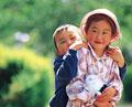 タイトル:子供とウサギ