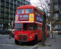 タイトル:2階建てバス