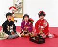 タイトル:お正月の子供たち